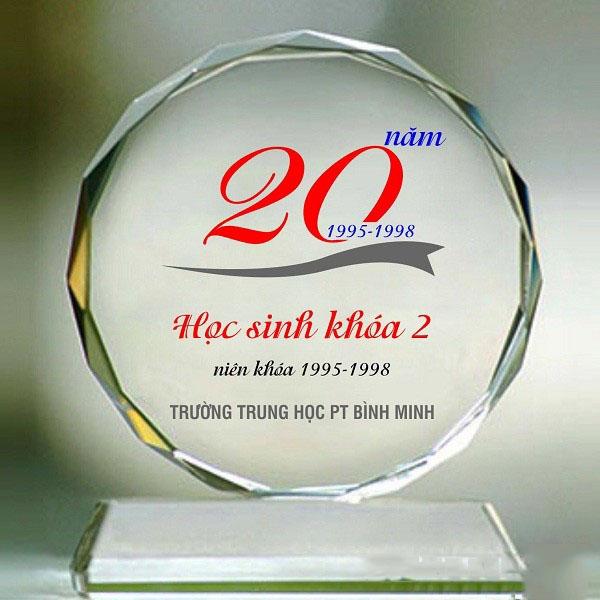 kỷ niệm chương pha lê kỷ niệm 20 năm